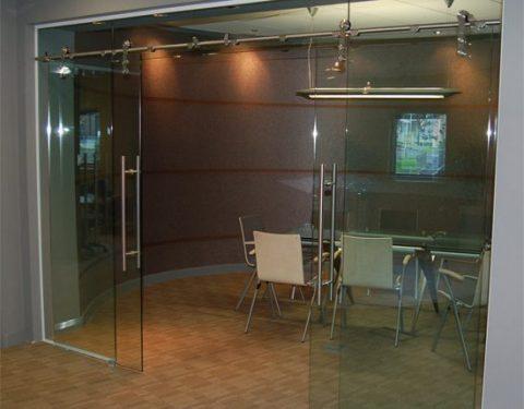 cửa kính thủy lực 2 cánh cho phòng họp