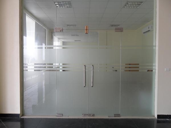 cửa kính cường lực 2 cánh