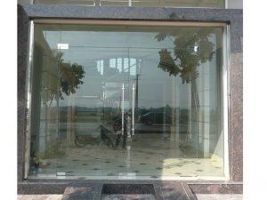 Giá cửa kính cường lực quận Ba Đình với ứng dụng thực tiễn trong cuộc sống