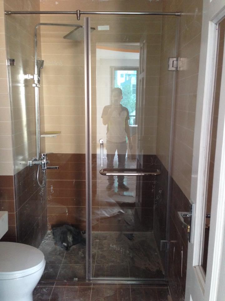 Hướng dẫn quy trình thi công vách tắm kính chuyên nghiệp